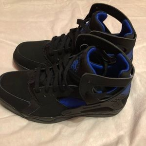 Nike Shoes - Nike Air Flight Huarache